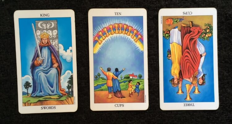 intuitive-tarot-reading-7-april-2015_OMTimes